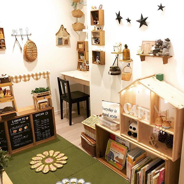 お祭りのような夢と希望溢れる子供部屋