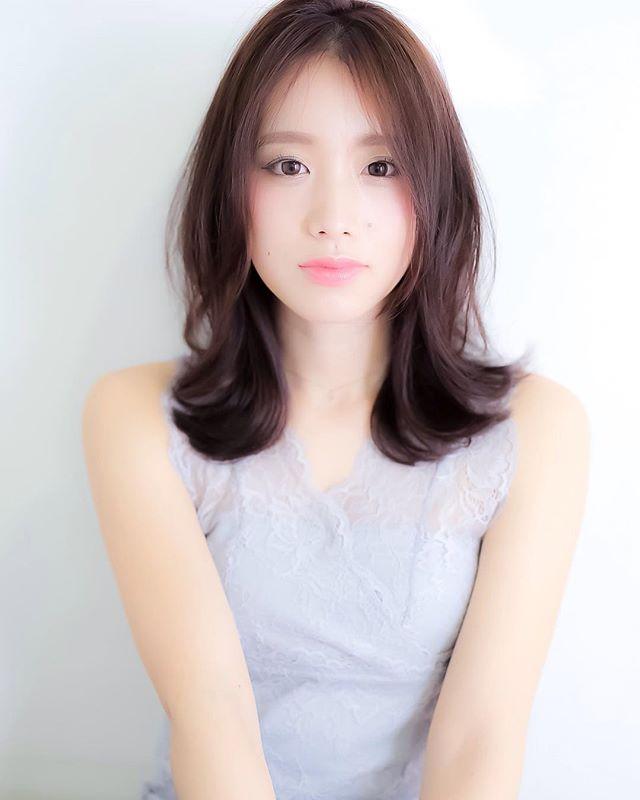 頬骨 高い 髪型 ミディアムヘア3