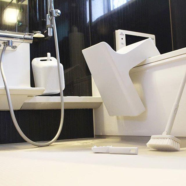 【無印】デッキブラシでお風呂の頑固な汚れ掃除