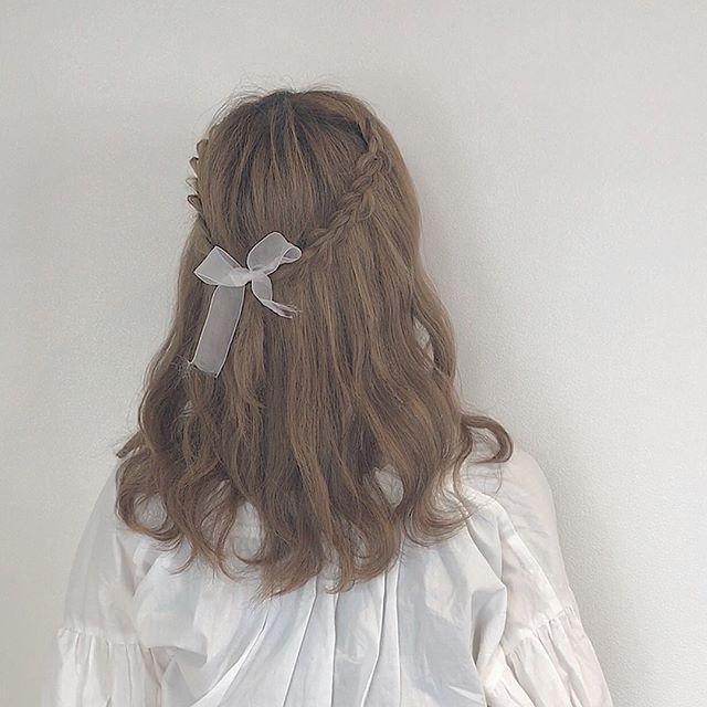 簡単に女子力がアップするまとめ髪
