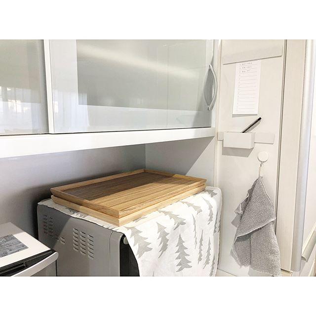2冷蔵庫横にメモをセットする