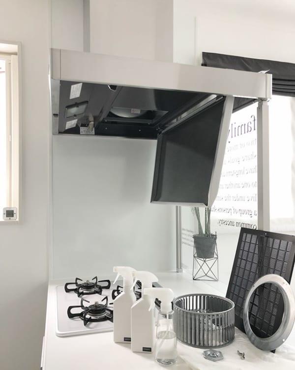 洗剤を使い分けるキッチン換気扇の掃除の仕方