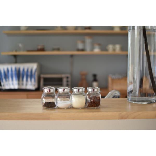 収納で統一感を出すカフェ風キッチン