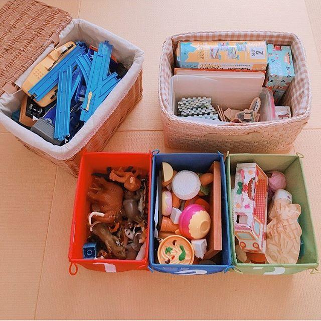 収納するおもちゃで使い分ける素材とふた