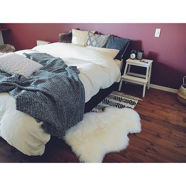 壁の色合いが素敵なおしゃれ寝室