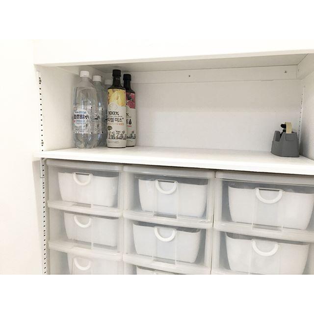 収納棚を活用したドリンク類の収納2