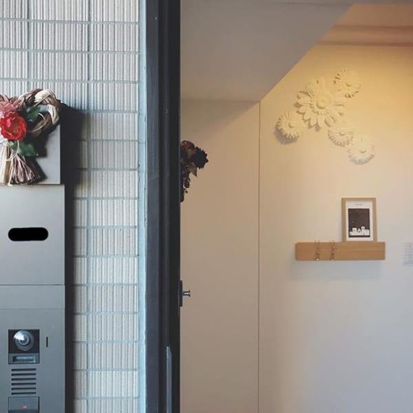 無印「壁に付けられる家具」で飾り棚