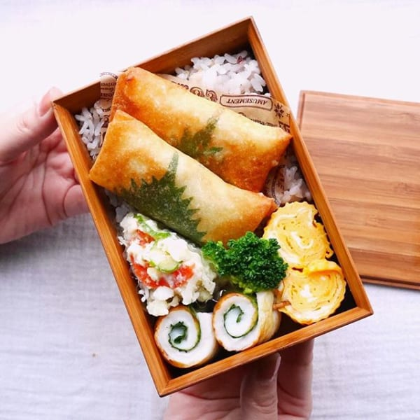 人気の春巻き丼弁当