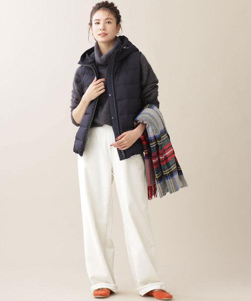 大人カジュアルな白パンツの冬コーデ