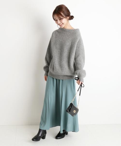 爽やかなオフィスカジュアルコーデ スカート
