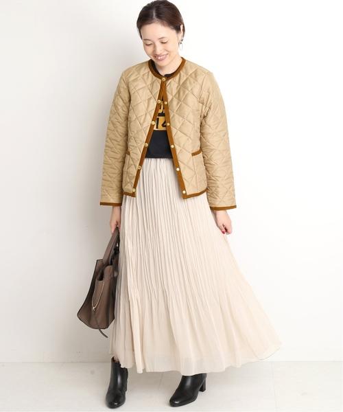キルトジャケットの冬の女子会コーデ