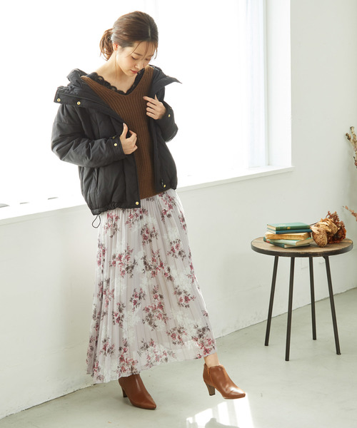 レディライクな花柄のプリーツスカート