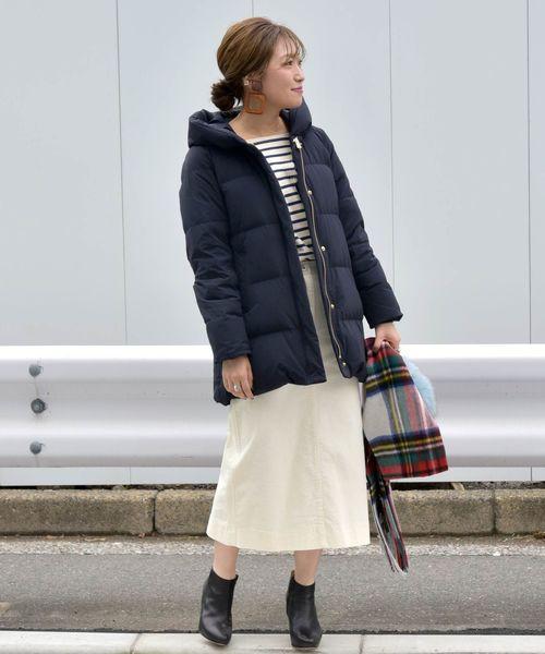 ダウンミディコート×ミモレ丈スカート