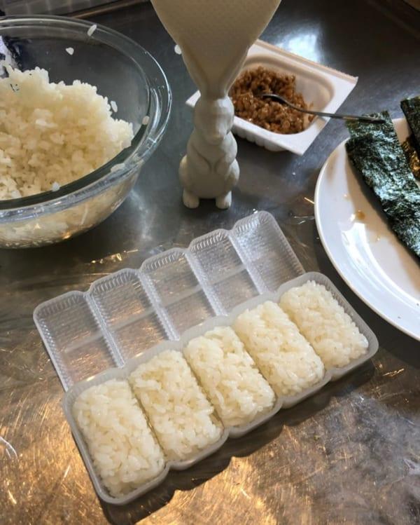 【キャンドゥ】5個いっぺんに作れる「寿司っ子」