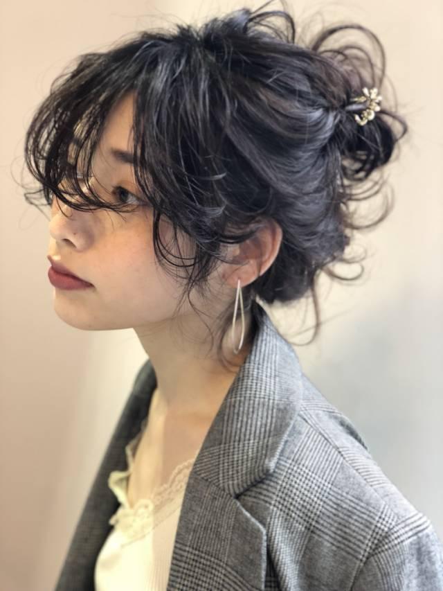 黒髪 ミディアム パーマ ヘアアレンジ3