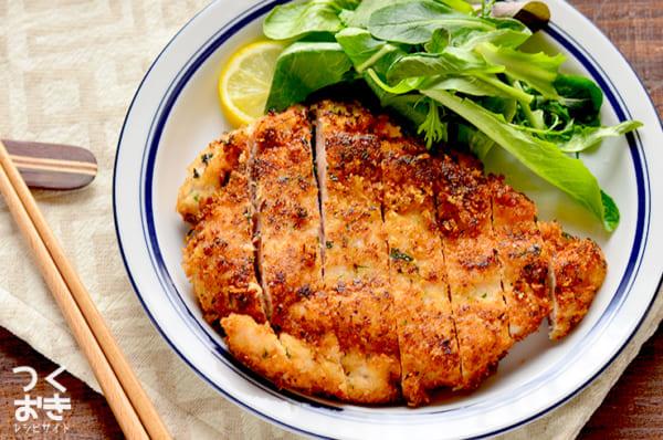 揚げ焼き料理に!鶏肉のチーズパン粉焼き
