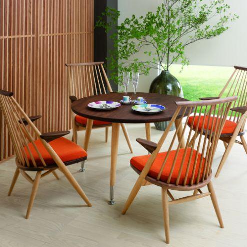素材やデザインにこだわった魅力的なテーブル8