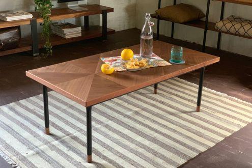 素材やデザインにこだわった魅力的なテーブル4