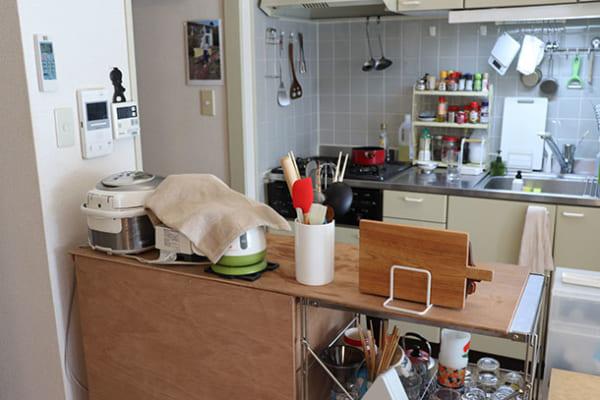 キッチンカウンターに耐熱タイルシートを貼ってカフェ風に!2