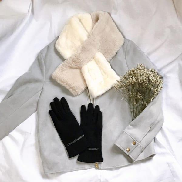 3COINS 手袋&バイカラーファーマフラー