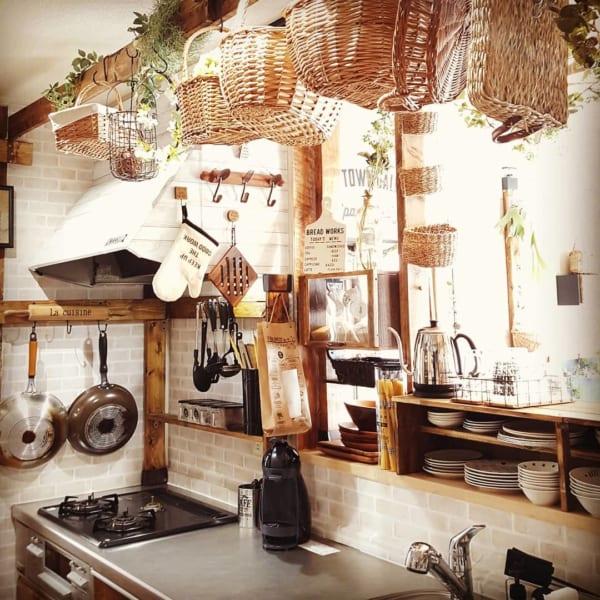 ホワイト系レンガで可愛いカフェ風キッチン
