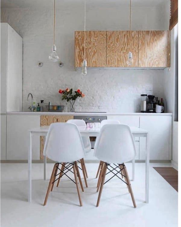ホワイト×ウッドの欧風キッチンインテリア