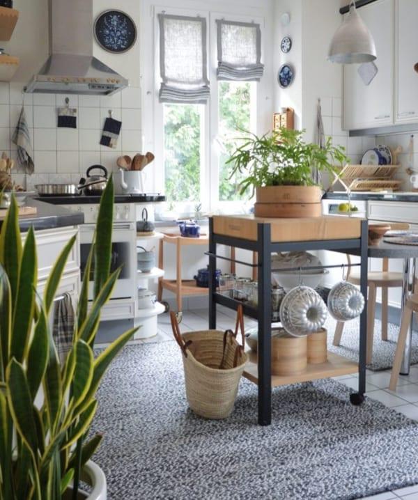 開放的な雰囲気が魅力のキッチンインテリア