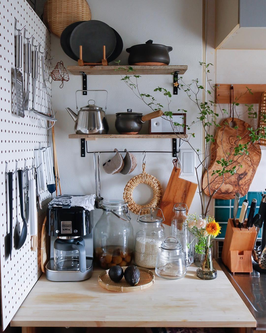 有孔ボードで利便性UP!なカフェ風キッチン