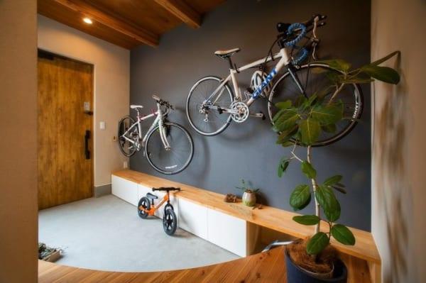 ロードバイクを壁面収納