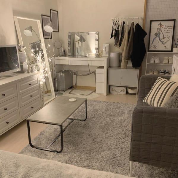 家具が多めな8畳ワンルームのレイアウト