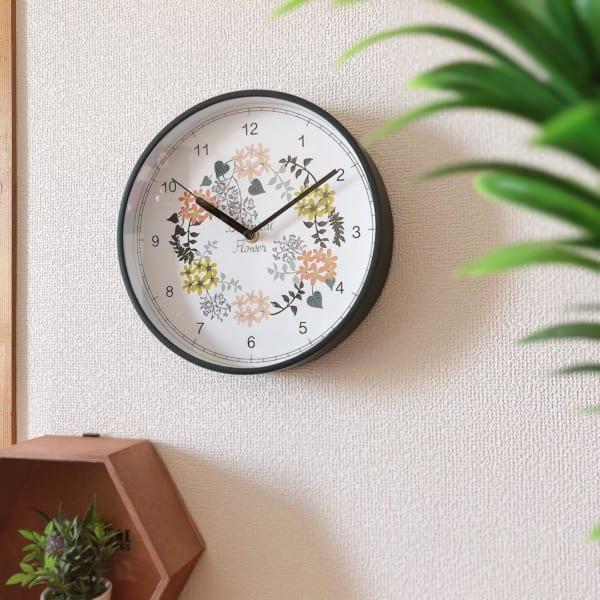 花柄のかけ時計