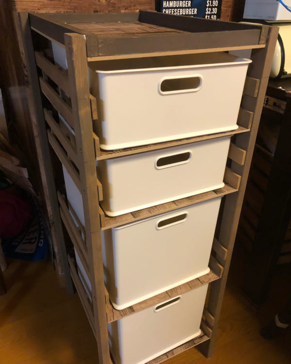 シンプルな手作り収納棚DIY