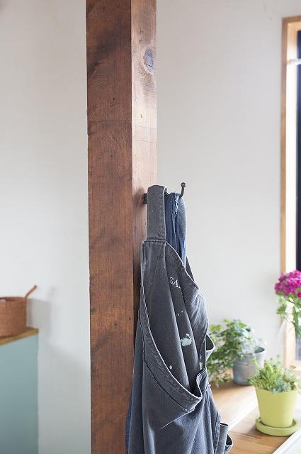 壁の仕上げは、構造用合板。DIYにはうってつけの素材7