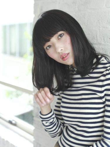 モードな印象派×黒髪ミディアム