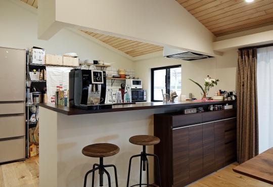 追加リノベは造作+既製品でコストを抑えてキッチンを充実7