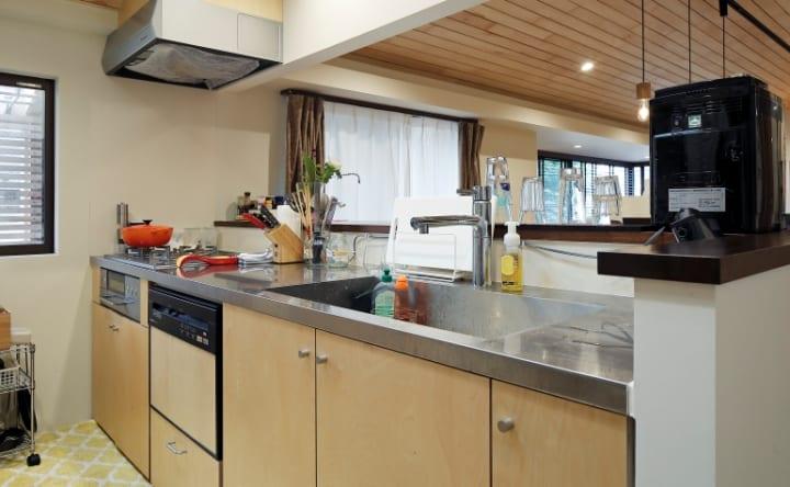 追加リノベは造作+既製品でコストを抑えてキッチンを充実9