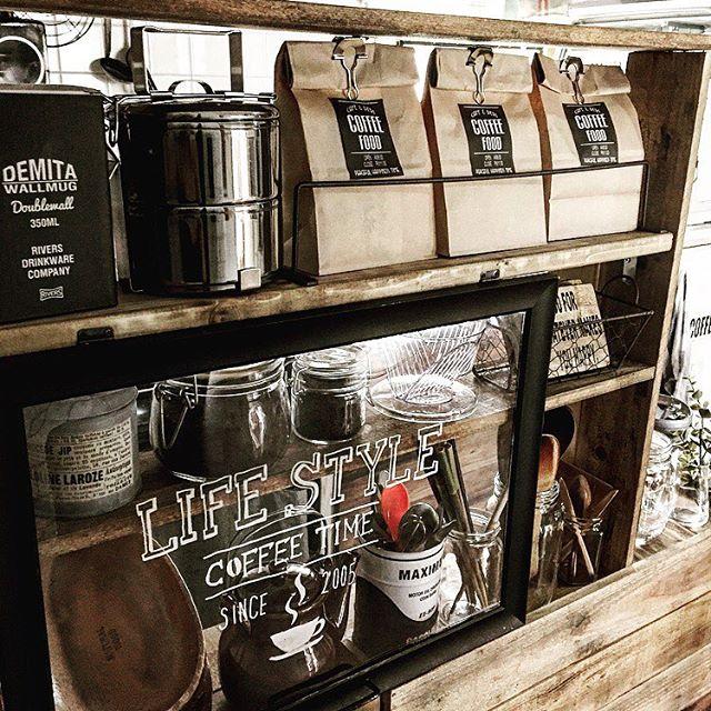 カフェ風好きがうなるラックコーディネート