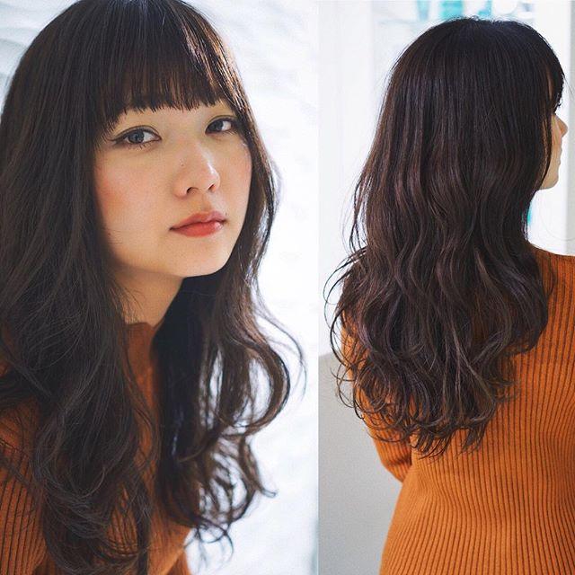 黒髪 ロングヘア 巻き髪アレンジ4