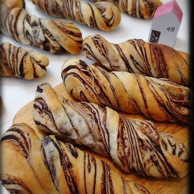 大量生産で人気!チョコマーブルスティックパン