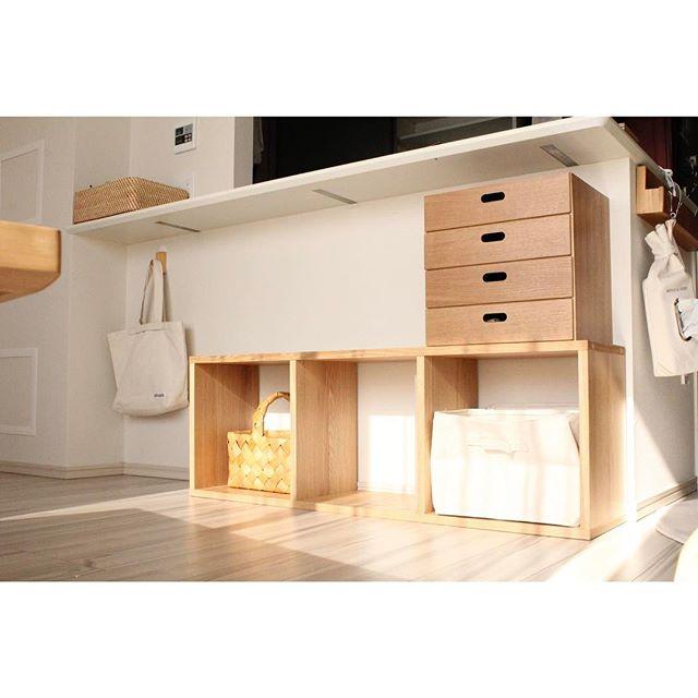 カウンター下に似合う素敵な収納家具