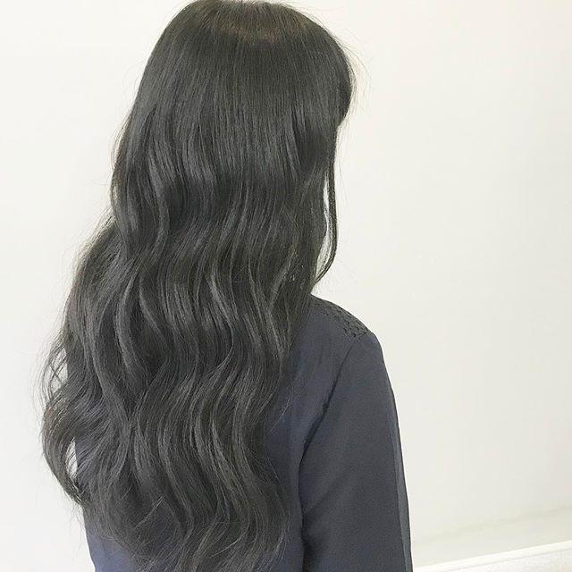 黒髪 ロングヘア 巻き髪アレンジ6