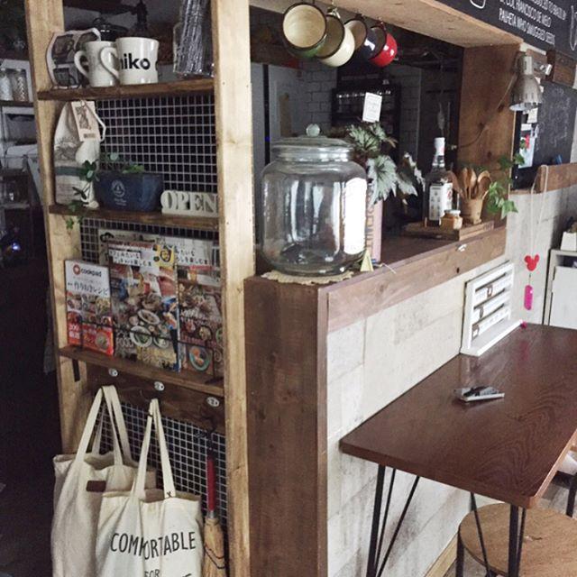 パーテーションでカフェ風空間