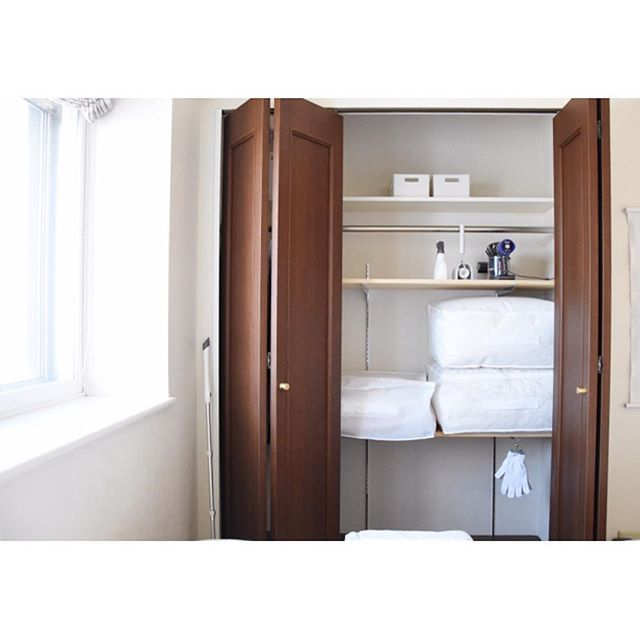 ミニマリスト 寝室 収納アイデア5