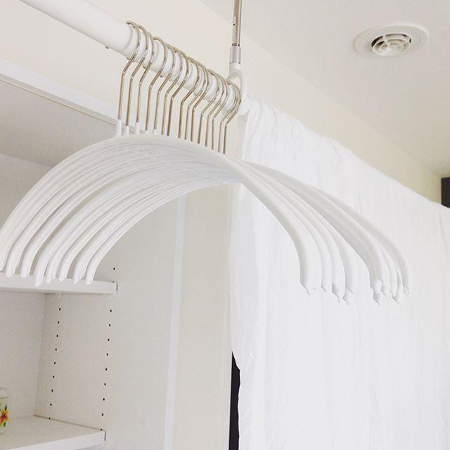 室内の物干し竿に掛ける保管の仕方