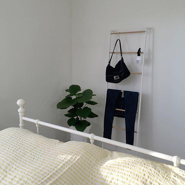 ミニマリスト 寝室 収納アイデア
