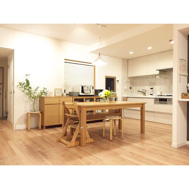 ナチュラルキッチンに合う素敵な収納家具