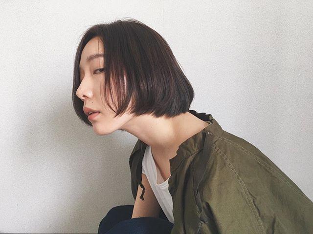 40代女性の若返りが叶うボブの髪型《ストレート》3