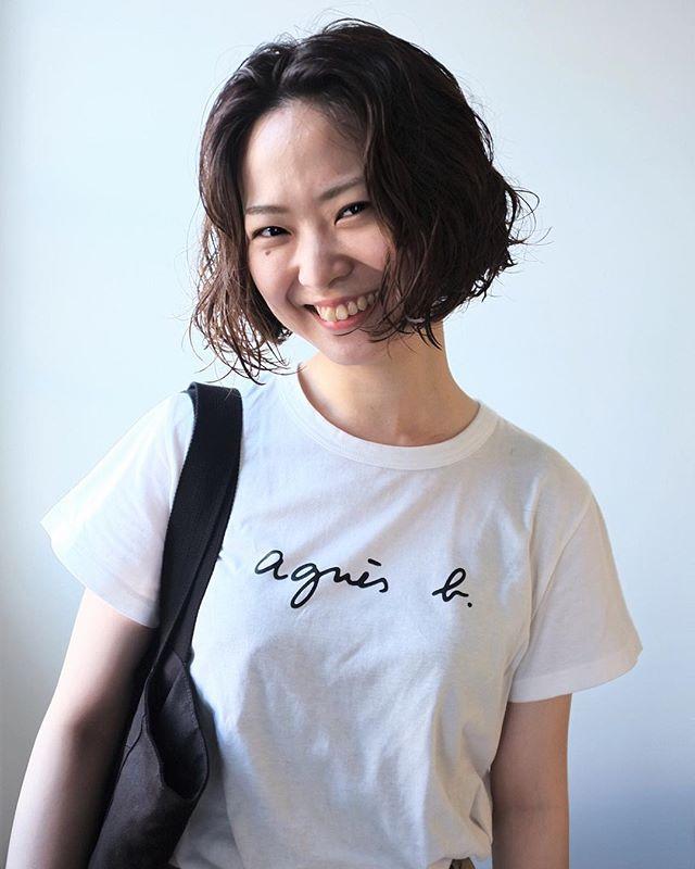 オフィスカジュアル 髪型 スタイリング剤2
