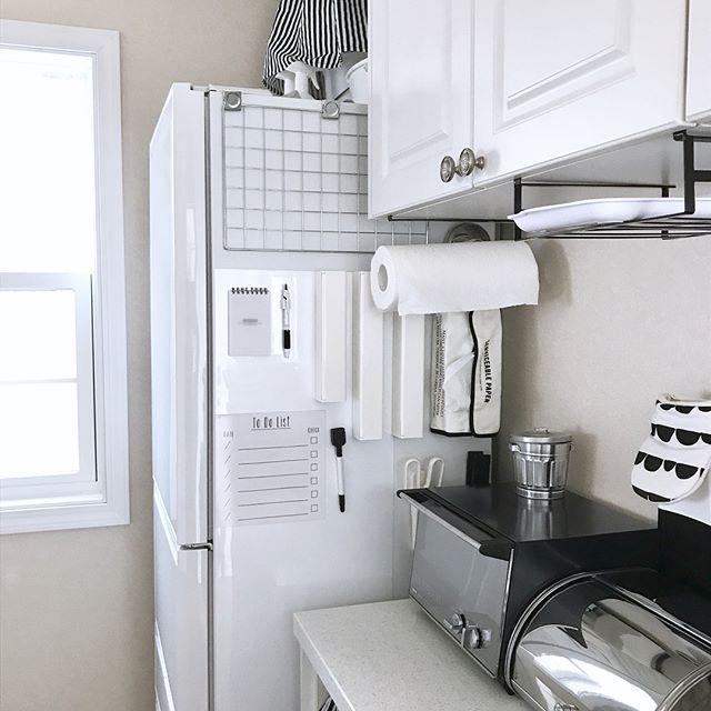 台所の隙間を利用した台所用品の保管術