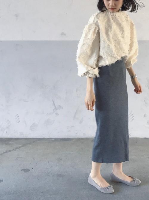 【2020春】グレータイトスカートの最新コーデ